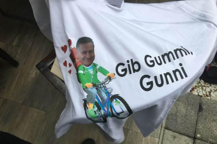 Großaufnahme Shirtdesign Gib Gummi Gunni