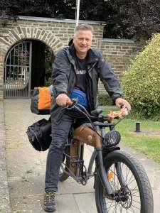 Gunnar auf seinem E-Bike